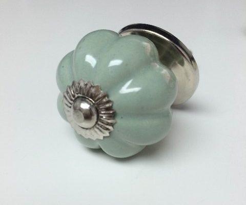 Flower Pastel Green ⌀3cm US$5.13
